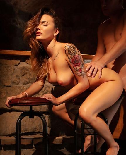 Nude vanessa decker Vanessa Decker