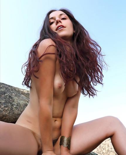 Elena Generi  nackt